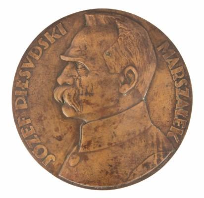 Plakieta z profilem Józefa Piłsudskiego